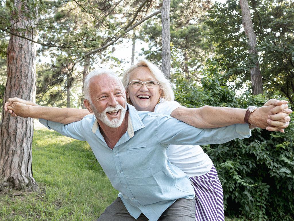 Como próteses e implantes dentários podem impactar na qualidade de vida das pessoas